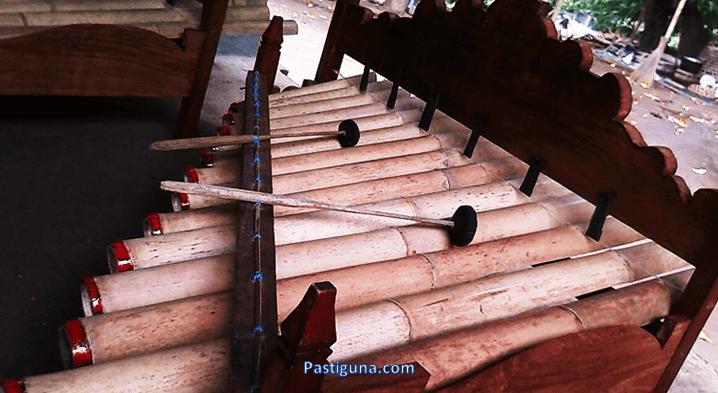 alat musik gerantang bali