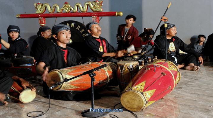 alat musik tradisional kendang jawa timur