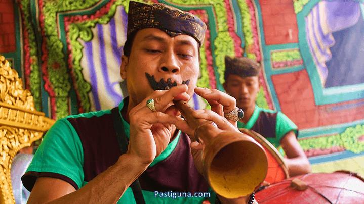 alat musik tradisional saronen jawa timur