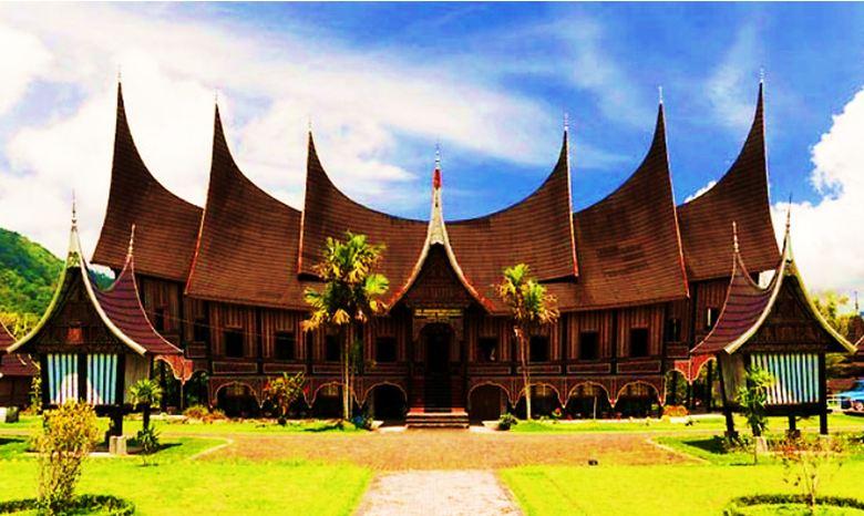 Rumah Gadang Rumah Adat Minangkabau Dan Penjelasannya